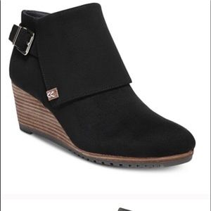 New Dr. Scholl's Create Wedge Booties 8.5
